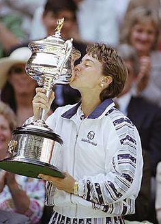 Martina Hingis Tennis Trophy, Wta Tennis, Tennis Legends, Event Guide, Sports Posters, Tennis Players Female, Vintage Tennis, Athletic Girls, Tennis Fashion
