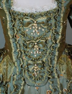 Pics of the new gown… starlightmasque. 18th Century Dress, 18th Century Costume, 18th Century Clothing, 18th Century Fashion, 19th Century, Rococo Fashion, Victorian Fashion, Vintage Fashion, Historical Costume