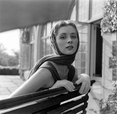 Suzy Parker, photo by Nina Leen, 1950