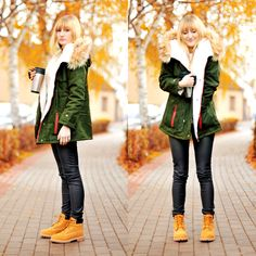 Green jacket with timberland boots-Military fashion style – Just Trendy Girls Mode Timberland, Timberland Outfits Women, Timberland Boots Outfit, Fall Fashion Outfits, Fall Winter Outfits, Yellow Boots, Boating Outfit, Legging Outfits, Military Fashion