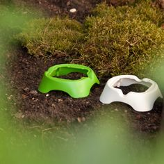 Snap and Feed bowl holders for cat food and dog food #catfood #dogfood #tiernahrung #katzenfutter #hundefutter #katze #hund #garden #green