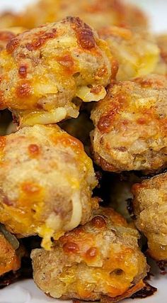 Sausage & Hash Brown Balls 1 lb hot sausage, uncooked 8 oz cream cheese, softened 1 cups Bisquick 1 cups cheddar cheese, shredded package frozen shredded hash brown potatoes (about 4 cups) Preheat oven to minutes, Bisquick Recipes, Sausage Recipes, Cooking Recipes, Venison Recipes, Milk Recipes, Breakfast Dishes, Breakfast Time, Breakfast Recipes, Breakfast Tailgate Food