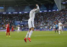 Cristiano Ronaldo regala orologi ai compagni: 200 mila euro di spesa - http://www.maidirecalcio.com/2014/12/13/il-regalo-di-cristiano-ronaldo-per-compagni-orologi-da-8200-euro.html