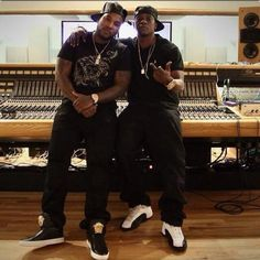 Looks like Young Jeezy and Lil Boosie are cooking up some new music together. Stay tuned for the outcome of this. Love And Hip, Hip Hop And R&b, Hip Hop Rap, Young Jeezy, Lil Boosie, Boosie Badazz, Jeannie Mai, Hip Hop Instrumental, Stevie Ray Vaughan