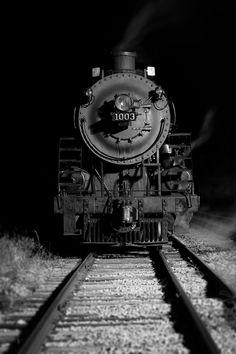 Steam Locomotive SOO line 1003 Locomotive Diesel, Steam Locomotive, Bonde, Night Train, Train Pictures, Old Trains, Vintage Trains, Train Engines, Steam Engine