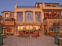 Italian Oceanfront Mansion in California !