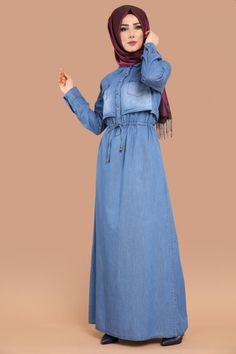 ** YENİ ÜRÜN ** Bağcıklı Kot Elbise Açık Kot Ürün Kodu: MDH6413 --> 109.90 TL Hijab Dress, Dress Outfits, Casual Dresses, Hijab Fashion, Girl Fashion, Womens Fashion, The Dress, High Neck Dress, Moslem Fashion