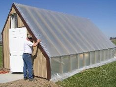 Great plans for a passive solar greenhouse!