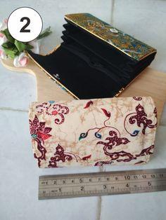 Hampir sama dengan souvenir pernikahan dompet batik mini akan tetapi agak gedean dikit :) Bags, Souvenir, Handbags, Bag, Totes, Hand Bags