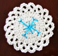 Free Pattern: Season of Snowflakes!