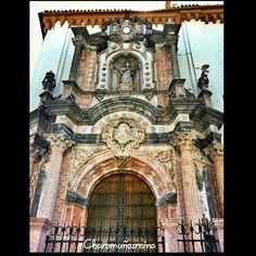 Portada de la Iglesia de San Juan de Dios.