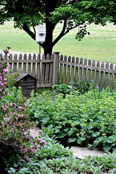 Astounding 65+ Amazingly Austere American Farmhouse by Phoebe Troyer Ideas https://freshouz.com/65-amazingly-austere-american-farmhouse-phoebe-troyer-ideas/