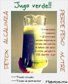 Jugo verde ALCALINIZANTE Y NUTRITIVO: manzana, pepino, limones, espinacas, berza, apio, jengibre y ajo