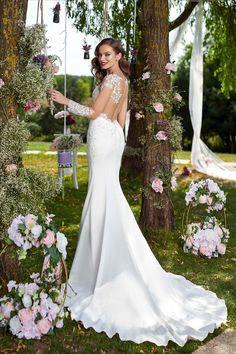 Rochia de mireasa-FRESIA.Colectia THE GARDEN STORY by AMANDA DI VELLI-2020. Bridal Dresses, Wedding Gowns, Lace Wedding, Amanda, Garden, Collection, Fashion, Bride Gowns, Moda