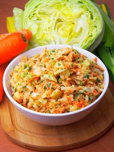 Jedna z naszych ulubionych, obiadowych surówek. Zawsze robię jej sporą miskę na 2-3 dni. Polecam, jest prosta, smaczna i efektowna:). Appetizer Salads, Appetizers, Sandwiches, Polish Recipes, Superfoods, Risotto, Macaroni And Cheese, Food To Make, Curry