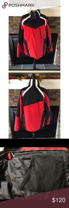 🎿Black and Red Men's Ski Coat🎿 This men's ski coat is not only appealing to the eye, but it is extremely warm and has a lot of pockets inside for storage while you ski! No rips or stains. Good condition!! Smoke free home 🏡 Obermeyer Jackets & Coats Ski & Snowboard