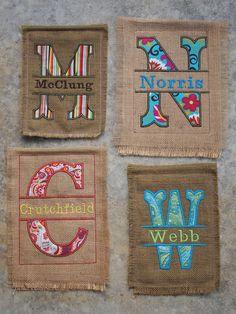 Personalized Burlap Garden Flag - Burlap Flag - Applique Garden Flag (Split Letter) this is so prettty for Sarah or little John Embroidery Monogram, Machine Embroidery Applique, Embroidery Patterns, Burlap Garden Flags, Burlap Flag, Burlap Projects, Burlap Crafts, Sewing Crafts, Sewing Projects