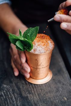 If you're visiting Chicago, check out these travel tips from my Chicago travel guide on the best speakeasies to find in the city. Explore 10 different speakeasies in Chicago that locals love! (Favorite Places Travel Tips) Rum Cocktails, Summer Cocktails, Cocktail Recipes, Cocktail Syrups, Cocktail Ideas, Cocktail Menu, Cocktail Making, Visit Chicago, Chicago Travel