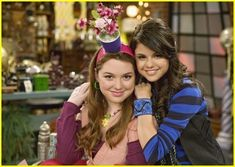 Selena gomez and jennifer stone Jennifer Stone, Hollywood Records, Wizards Of Waverly Place, Alex Russo, Forever Girl, Jake T, Amazing Songs, Disney Stars, Teenager Outfits