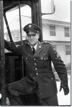 This photo was taken when Elvis arrived at McGuire Air Force base in New Jersey on March 3, 1960, two days before he was officially discharged from the Army.