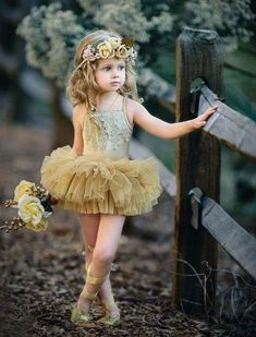 Our gorgeous GOLD Mistletoe Tutu is a new standard fit and design with a mistletoe applique braid on the front with layers of fully gathered skirt attached to a Little Girl Dresses, Girls Dresses, Flower Girl Dresses, Picture Outfits, Girl Outfits, Fashion Outfits, Beautiful Children, Beautiful Babies, Girl Photography