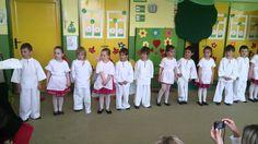 Jabĺčko- vystúpenie ku Dňu Matiek Preschool, Youtube, Ms, Preschools, Kid Garden, Early Elementary Resources, Kindergarten, Kindergartens, Kindergarten Center Management