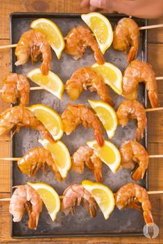 Prawn and lemon skewers glazed with a homemade Tabasco, jam and lemon basting sauce😍 Get these on the grill and enjoy