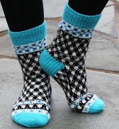 Ravelry: Puzzle Socks pattern by Aud Bergo Knitting Socks, Hand Knitting, Knitting Patterns, Knit Socks, Crochet Socks Pattern, Knit Crochet, Laine Rowan, Sock Hop, Cute Socks