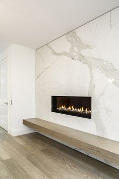 Gallery of Hazelton Residence 1 / Batay-Csorba Architects – 8 – Fireplace tile ideas Fireplace Art, Small Fireplace, Marble Fireplaces, Living Room With Fireplace, Fireplace Surrounds, Fireplace Ideas, Marble Fireplace Surround, Fireplace Cover, Fireplace Glass
