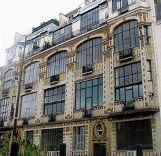 Former Art Studios 31 Campagne Premiere Street in Paris France Architecture Parisienne, Paris Architecture, Architecture Images, French Architecture, Art Nouveau Architecture, Man Ray, Louis Aragon, Paris 14, Grand Paris