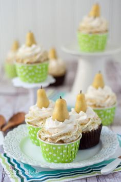 Cupcake Recipes : Hazelnut Pear Cupcakes