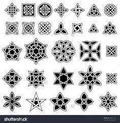 25 celtic knots collection (triquetra (trinity) knot, quartenary knot, etc.) for your logo, design or project (vector illustration) Celtic Signs, Celtic Symbols, Celtic Knots, Triquetra, Design Celta, Trinity Knot Tattoo, Celtic Knot Designs, Celtic Patterns, Clip Art