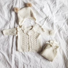 White on white #allknitted