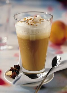 Iced coffee with peach Grand Cru, Iced Coffee, Nespresso, Chai, Pint Glass, Latte, Panna Cotta, Peach, Pudding
