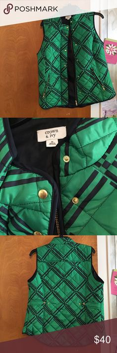 NWOT Crown and Ivy Quilted Vest!! Beautiful!! Beautiful green and navy Crown and IVY vest!!! Great for fall!!! Crown and Ivy Jackets & Coats Vests
