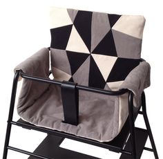 Place de bleu hynde til TOWERchair Chaise Haute Design, Patchwork Cushion, Black Cushions, Baby Kind, Baby Baby, Baby Carriage, Bedroom Vintage, Baby Bedroom, Baby Games
