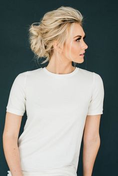 Messy Updo For Shorthair #blondehair #updohair ★ Sexy short hairstyles are the answer for those who wonder which type of haircut is the best. Forget about waking up earlier only to fix your hair! #glaminati #lifestyle  #shorthairstyles
