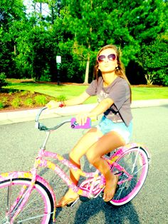 Lilly Pulitzer Bike, high waisted shorts, sunglasses, and a tee shirt... what better summer outfit?