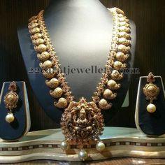 Jewellery Designs: Mughal Elaborated Pailsey Haram
