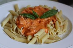 vodka sauce with prosciutto over penne