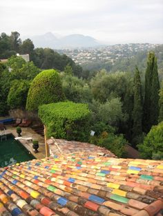 Multi-colored roof tiles in La Colombe d'Or, Saint Paul de Vence | Remodelista