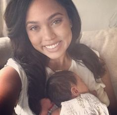 Stephen and Ayesha Curry have one of the cutest families in the NBA, hands down. The couple are parents to two beautiful daughters, Ryan and Stephen Curry Family, The Curry Family, Cute Family, Family Goals, Family Pics, Ryan Curry, Wardell Stephen Curry, Stephen Curry Pictures, Ayesha Curry