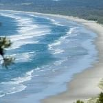 Byron's legendary, lighthouse-dotted, white sand beaches are some of Australia's best. Situated where the Coral Sea meets the Tasman Sea, these clean, unpolluted, laid-back beaches remain relatively undeveloped and are great places to spot bottlenose dolphins, rays, whales and sea turtles.