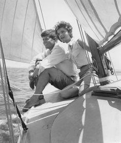 John F. Kennedy et Jacqueline Bouvier en vacances à Hyannis Port en juin1953