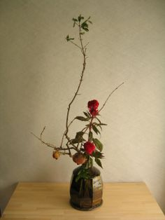 Ikebana by Mario HIRAMA, Japan Ikebana, Flower Tea, Flower Show, Bonsai, Ancient Japanese Art, Sweet Violets, Japanese Flowers, Japan Art, Trees To Plant