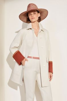 See all the looks of the collection Fashion Line, Fashion News, Fashion Show, Fashion Outfits, Fashion Trends, Winter Outfits, Summer Outfits, Mature Fashion, Beige