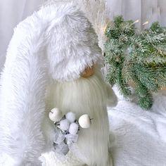 Snowman Christmas Decorations, Christmas Snowman, White Christmas, Christmas Holidays, Christmas Crafts, Christmas Ideas, Holiday Decor, Nature Table, Christmas Inspiration