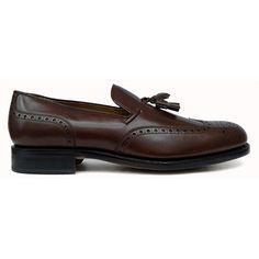 5f809152d72 Zapato mocasín tassel con pala vega y picado maría en marrón de Yanko vista  lateral