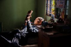 Reading | Steve McCurry