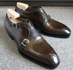 Gents Shoes, Gentleman Shoes, Mens Designer Shoes, Mens Shoes Boots, Mens Fashion Shoes, Man Fashion, Mens Slippers, Formal Shoes, Luxury Shoes